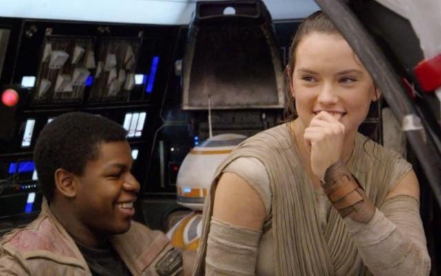 Atores se empolgam ao ver o novo trailer de Star Wars