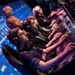 Top 3 profissionais de games mais bem pagos no mundo